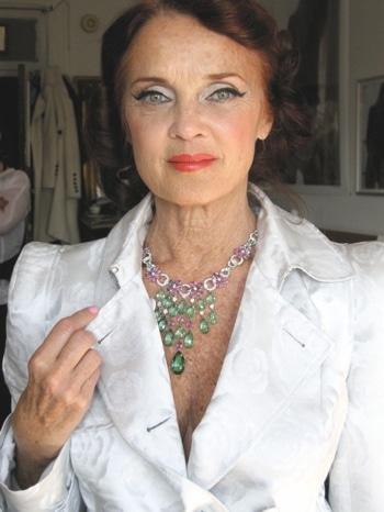 Linda Troeller.