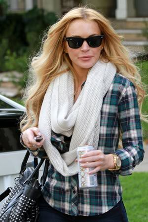 Lindsay Lohan accused of stealing a $5000 necklace.