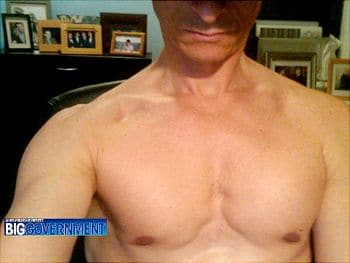 Anthony Weiner finally wants to show you his erection.