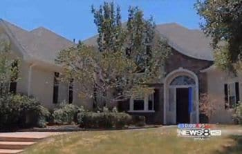 Squatter buys abandoned $300 000 mansion for just $16.