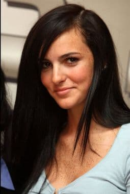 Ali Lohan, sister of Lindsay Lohan gets signed on by Next Model Management. But can you believe it?