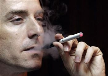 Texas employer tells smokers they neednt apply for work if they refuse to give up the habit.