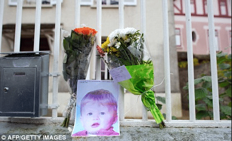 3 year old boy dies after father puts him in a washing machine as punishment for defacing fellow pupils drawing.