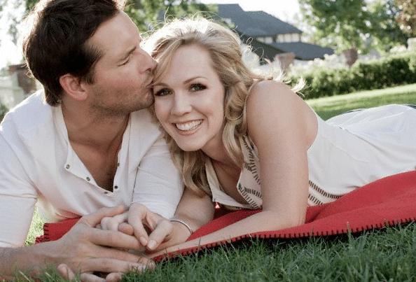 BREAKING: Peter Facinelli & Jennie Garth divorcing