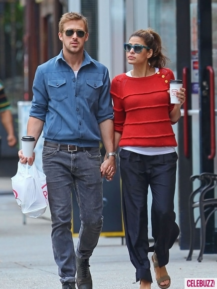 Ryan Gosling and Eva Mendes Hold Hands in NYC.