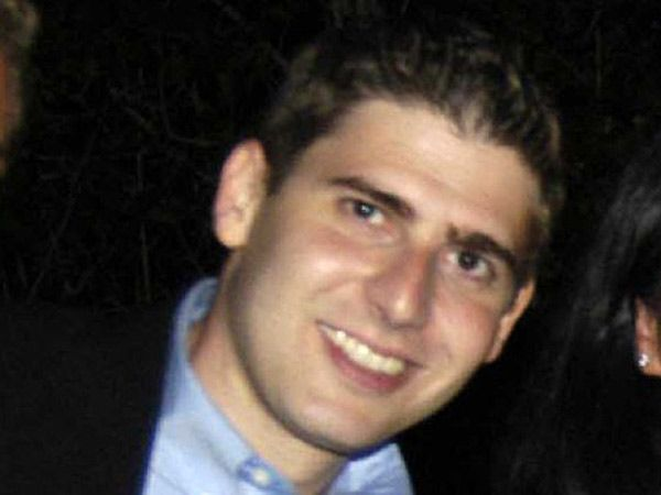 Facebooks ex Eduardo Saverin likely to be banned from the US.