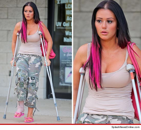 Jersey Shores Jwoww ends up in a bar brawl that leaves her in crutches.