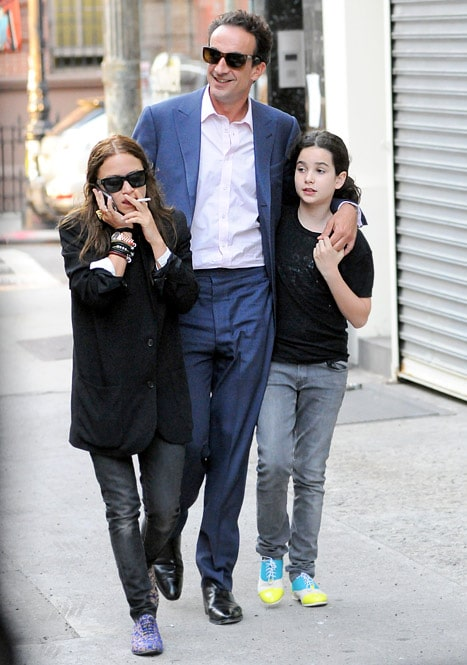 Olivier Sarkozy with Mary Kate Olsen and his daughter.
