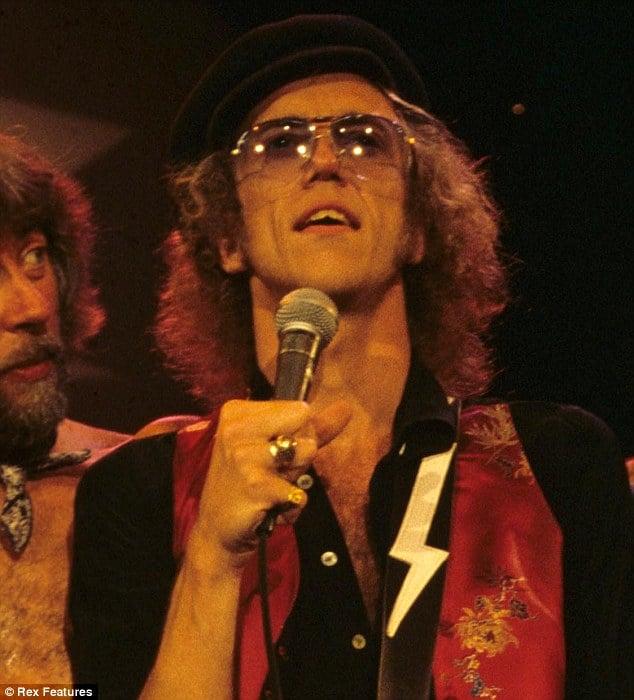 Breaking: Fleetwood Mac band member Bob Welch commits suicide.