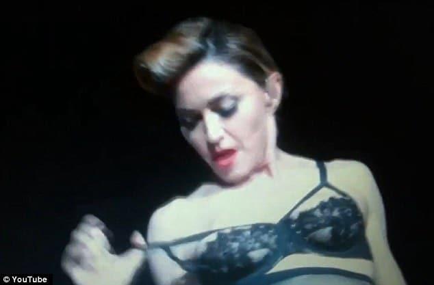 Madonna nipple stunt