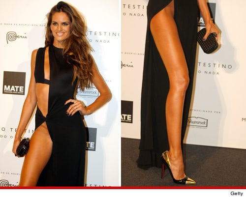 Isabel Goulart recently turned up at an event in Lima, Peru bedazzling onlookers.