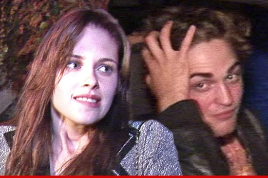 Kristen Stewart and Robert Pattinson. Image via tmz