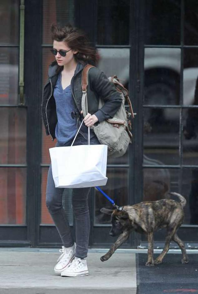 Kristen Stewart and Bear, the family dog.