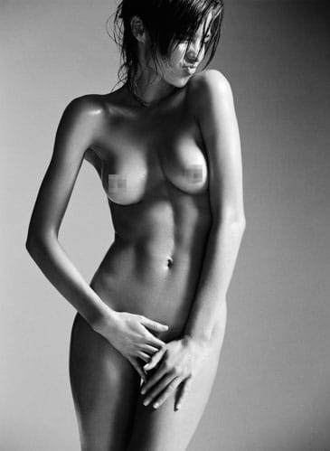 Miranda Kerr nude as naked pictures of her leak. Art form vs erotic?