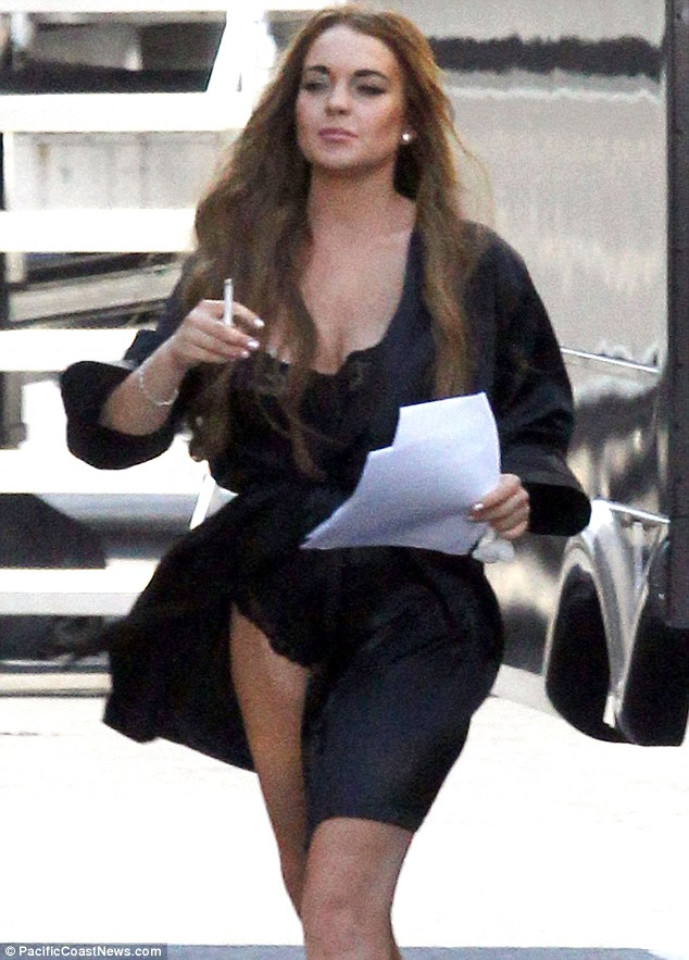 Lindsay Lohan is the Queen of drama. On set for 'Scary