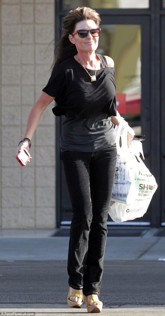 Oh my! Sarah Palin is a skinny hawt bixch. Her moose diet is doing wonders!