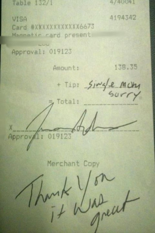 Woman leaves Single mom sorry tip on a $138 bill. Reddit post leads to heated exchanges...