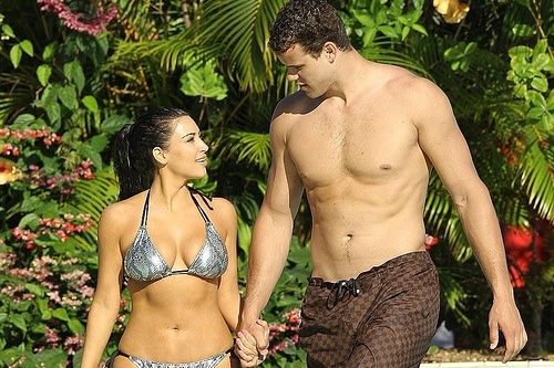 Kim Kardashian Files for Divorce From Kris Humphries 01 Desperate Kim Kardashian offers Kris Humphries $10 million to settle divorce. Says no!