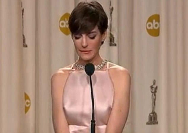 Anne Hathaway breaks down in post Oscars interview cause her dreams came true.