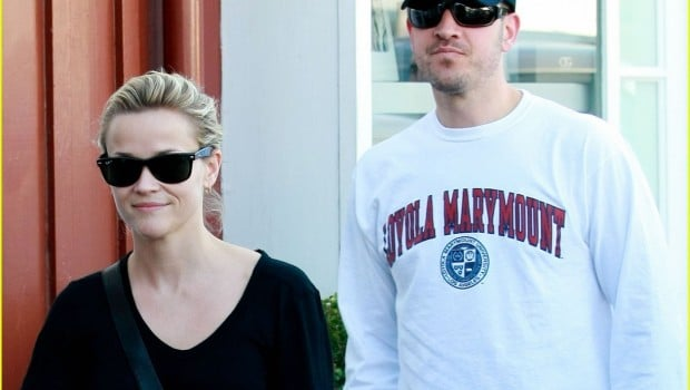 Reese Witherspoon And Jim Toth Out Shopping In Brentwood