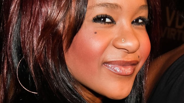 Oh really? Whitney Houstons daughter, Bobbi Kristina Brown gets evicted, leaves behind a bitchy note.