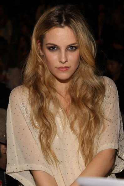 Robert Pattinson now dating Kristen Stewarts look alike, Riley Keough?