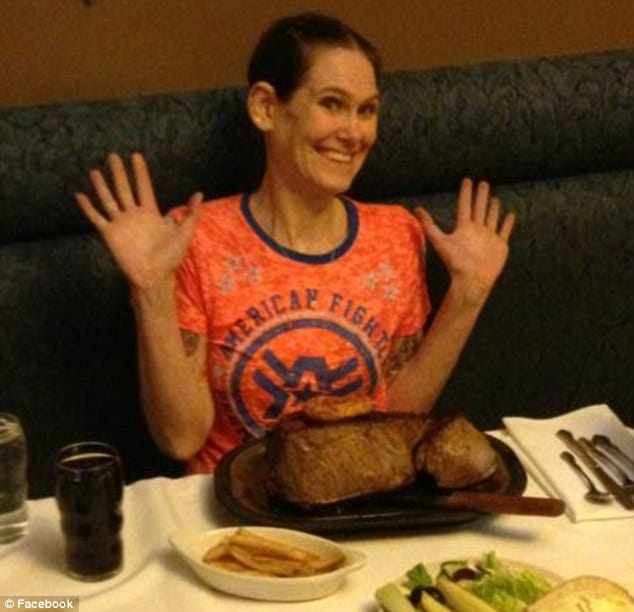 Molly Schuyler devours  72 oz steak in 3 minute world record.