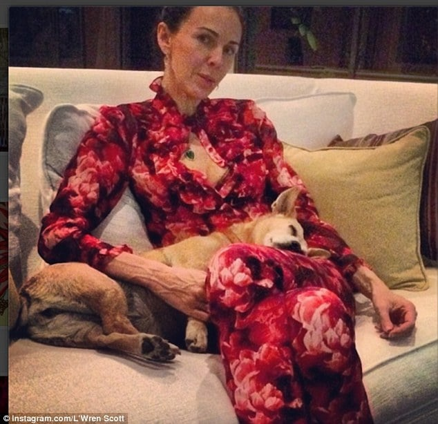 LWren Scott frantically texted her celebrity friends before suicide