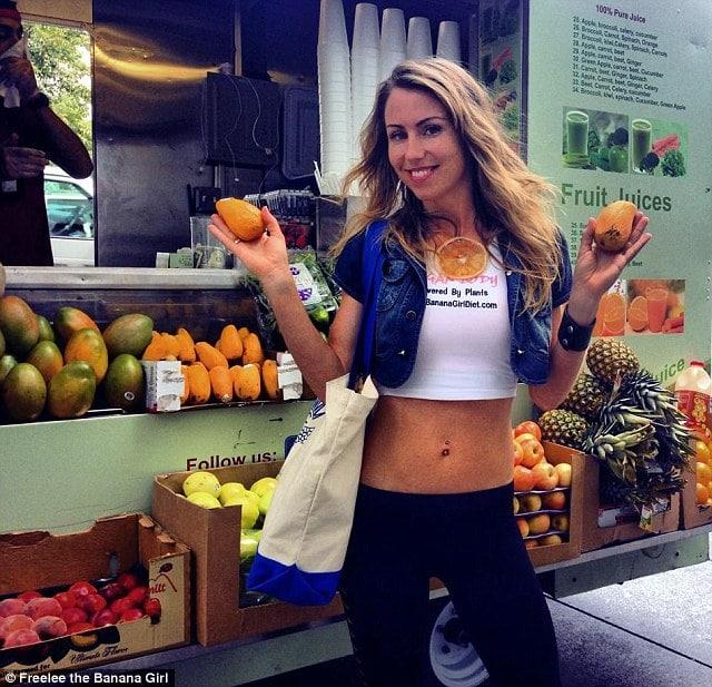 Diet Guru, Freelee the Banana girl explains how 51 bananas ...