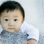 Chinese mother sells newborn baby boy for $7000. Colluded with obstetrician.