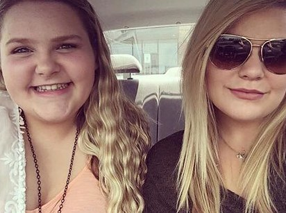Texas mother fatally shoots 2 daughters; police kill her