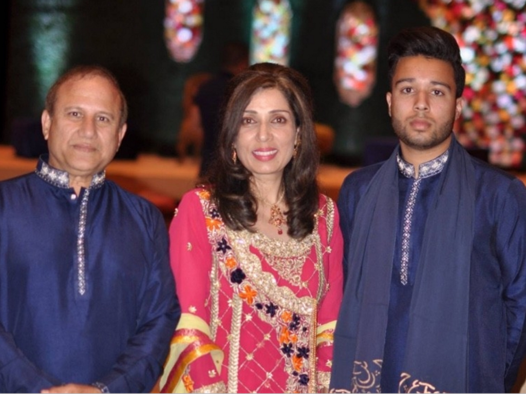 Father kills wife, son and himself