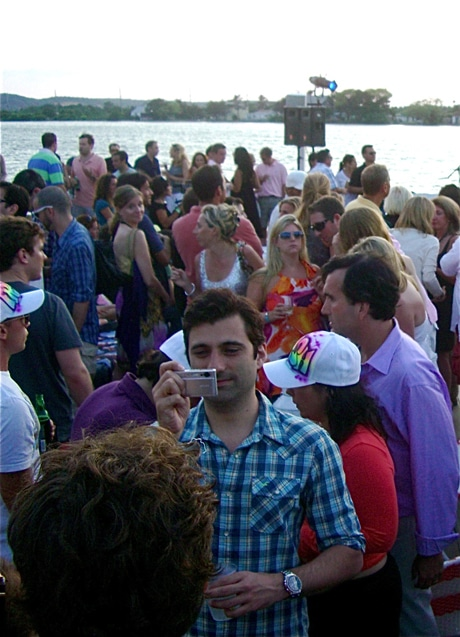 hamptons-crowd
