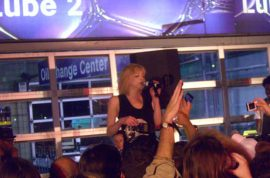 Mobile Gas Station Is Rocked Out By Courtney Love and other Media Whores.
