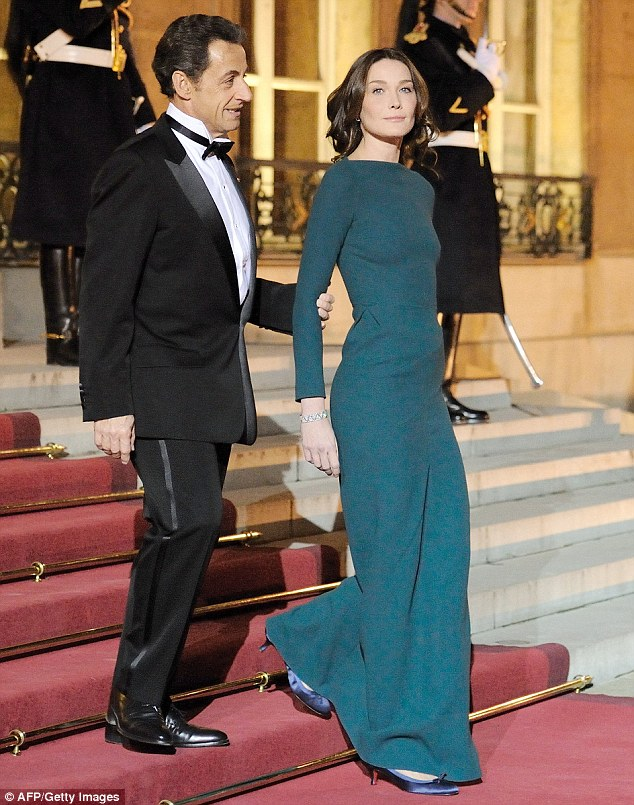 Carla Bruni S Tight Dress Has Heads Turning