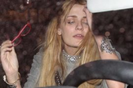 Mischa Barton wants to let you know not all is well in Hollywood.