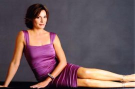 On LuAnn de Lesseps: Money Can't Buy You Class….or a Voice