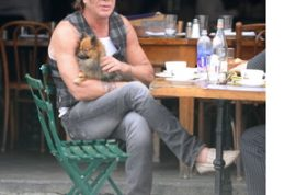 Mickey Rourke doesn't think too highly of most actors.