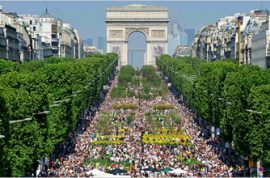Champs- Elysee turns green.