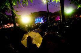 Singing in the Rain with Norah Jones.