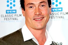 Chris Klein wants you to know he's checking into rehab.