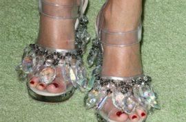 Rita Wilson wants to show you her pretty shiny feet…