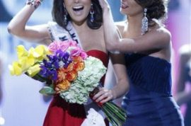 It's time to gawk at the new Ms Universe- Mexico's Jimena Navarrete.