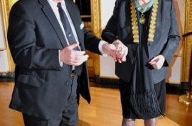 Gena Rowlands makes Commandeur of the Order Des Arts et des Lettres.