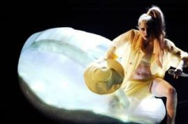 Grammy Update: Bieber wears semen-colored suit, Gaga arrives in an egg