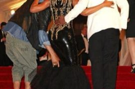Beyonce Knowles wants to tell you that things didn't go down so well for her at last night Met's Costume Ball.