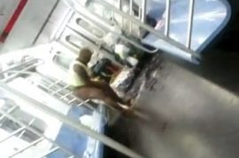 Woman uses NYC subway train as her personal shower.
