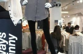 Fashion Bloggers appalled by Gap's new skinny jeans.