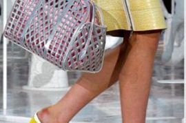 It's time to discover what a bruised and fatigued foot of a fashion model looks like at the end of Fashion month.