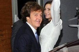 Paul McCartney marries American heiress Nancy Shevell. Say you love me do…